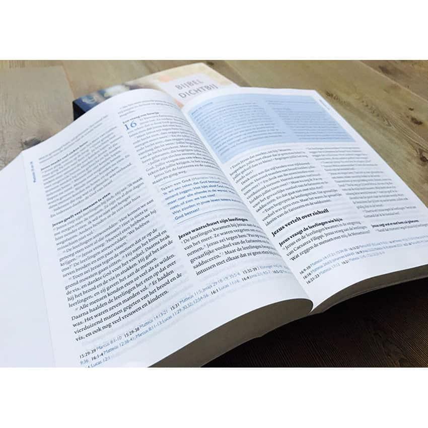 Ontwerp binnenwerk 'Bijbel Dichtbij'